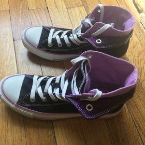 Women's Converse - Size 8
